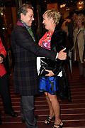 Viering van de tachtigste verjaardag van cabaretier Paul van Vliet in  Theater Carré, Amsterdam. Tijdens de eenmalige voorstelling Vandaag of morgen ter ere van zijn tachtigste verjaardag treedt Van Vliet op samen met collega-cabaretiers Youp van 't  Hek, Herman van Veen, Bert Visscher en Jochem Myjer.<br /> <br /> Op de foto:  Frank Sanders en Vera Mann