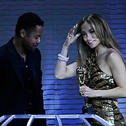MON/Monte Carlo/20100512 - World Music Awards 2010, Guba Gooding Jr reikt outstanding award uit aan Jennifer Lopez