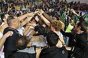 DESCRIZIONE : Roma LNP A2 2015-16 Acea Virtus Roma Mens Sana Basket 1871 Siena<br /> GIOCATORE : Virtus Roma<br /> CATEGORIA : esultanza team<br /> SQUADRA : Acea Virtus Roma<br /> EVENTO : Campionato LNP A2 2015-2016<br /> GARA : Acea Virtus Roma Mens Sana Basket 1871 Siena<br /> DATA : 06/12/2015<br /> SPORT : Pallacanestro <br /> AUTORE : Agenzia Ciamillo-Castoria/G.Masi<br /> Galleria : LNP A2 2015-2016<br /> Fotonotizia : Roma LNP A2 2015-16 Acea Virtus Roma Mens Sana Basket 1871 Siena