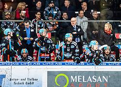 06.03.2020, Keine Sorgen Eisarena, Linz, AUT, EBEL, EHC Liwest Black Wings Linz vs EC KAC, Viertelfinale, 2. Spiel, im Bild v.l. Assistent-Coach Mark Szücs (EHC Liwest Black Wings Linz), Head-Coach Tom Rowe (EHC Liwest Black Wings Linz) // during the Erste Bank Eishockey League 2nd quarterfinal match between EHC Liwest Black Wings Linz and EC KAC at the Keine Sorgen Eisarena in Linz, Austria on 2020/03/06. EXPA Pictures © 2020, PhotoCredit: EXPA/ Reinhard Eisenbauer