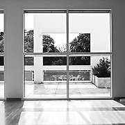 Frankfurt am Main, Germany, Darmstadt, 1986: Interior  gallery second floor,  Museum for the Decorative Arts at Schaumainkai St. - Richard Meier Architect -  Get and touch, for commercial uses or other sizes. Photographs by Alejandro Sala
