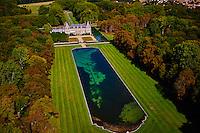 France, Essonne (91), parc naturel régional du Gâtinais français, le château de Courances // France, Essonne, Gatinais regional park, Courances Castle