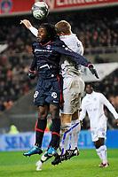 FOOTBALL - FRENCH CHAMPIONSHIP 2009/2010  - L1 - PARIS SAINT GERMAIN v AJ AUXERRE - 28/11/2009 - PHOTO GUY JEFFROY / DPPI - PEGGUY LUYINDULA (PSG)