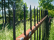 Założony w XVIII wieku cmentarz żydowski w Bobowej.<br /> Found in the 18th century Jewish cemetery in Bobowa.