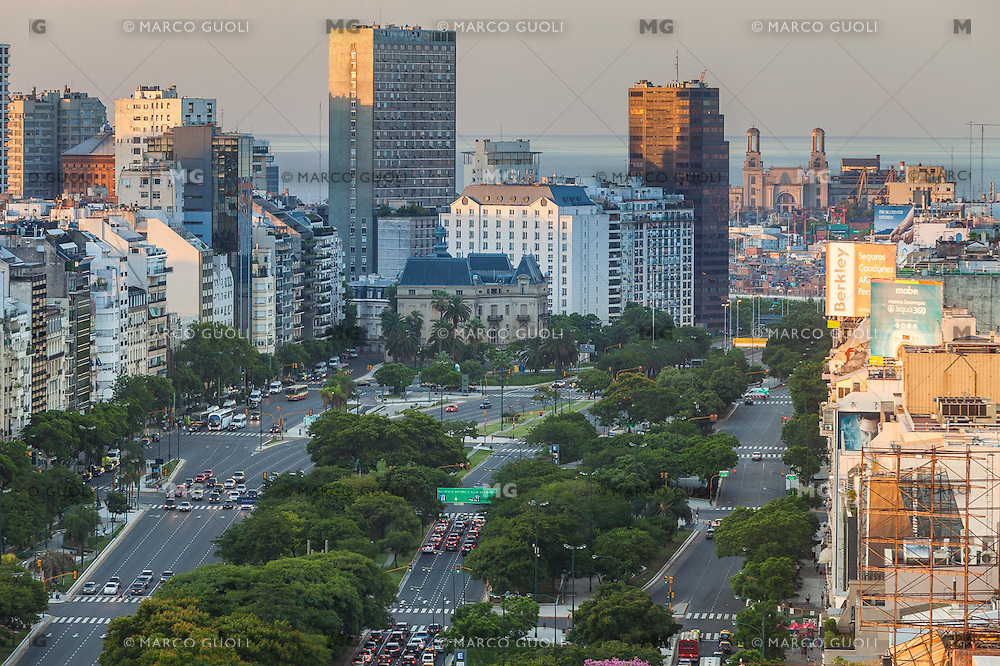 CIUDAD DE BUENOS AIRES, ARGENTINA (PHOTO © MARCO GUOLI - ALL RIGHTS RESERVED)