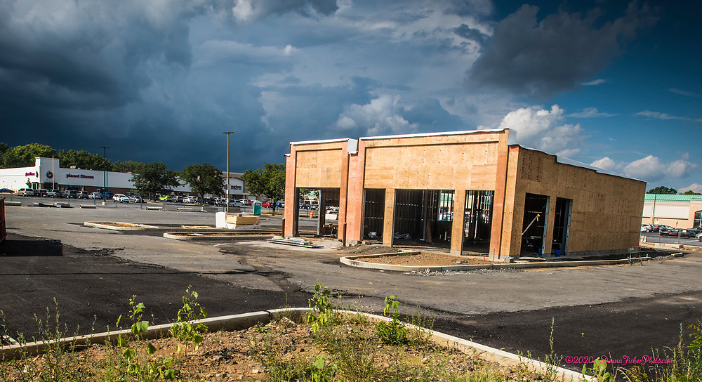 T-Mobile and Smoothie King are planning to open in new construction in front of Giant Food in the 2600 block of MacArthur Road this year. Scenes along MacArthur Road in Whitehall Twp., Lehigh County, Pa.. Picture made August 17, 2020.<br />  Donna Fisher Photography, LLC