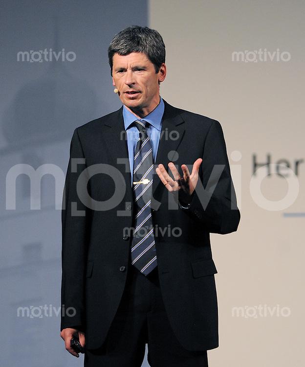 Rottenburg   24.04.2009 Dr. Markus Merk haelt auf der Jubilaeumsveranstaltung, 140 Jahre der Volksbank Herrenberg -Rottenburg, einen Vortrag