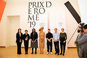 Koningin Maxima bij uitreiking Prix de Rome 2019 in het Stedelijk Museum Amsterdam. De Prix de Rome is de oudste prijs in Nederland voor beeldend kunstenaars onder de 40 jaar. Het doel van de prijs is getalenteerde kunstenaars te signaleren en hen te stimuleren zich verder te ontwikkelen en hun zichtbaarheid te vergroten.<br /> <br /> Queen Maxima at Prix de Rome 2019 presentation in the Stedelijk Museum Amsterdam. The Prix de Rome is the oldest prize in the Netherlands for visual artists under 40 years of age. The purpose of the prize is to identify talented artists and encourage them to develop further and increase their visibility.