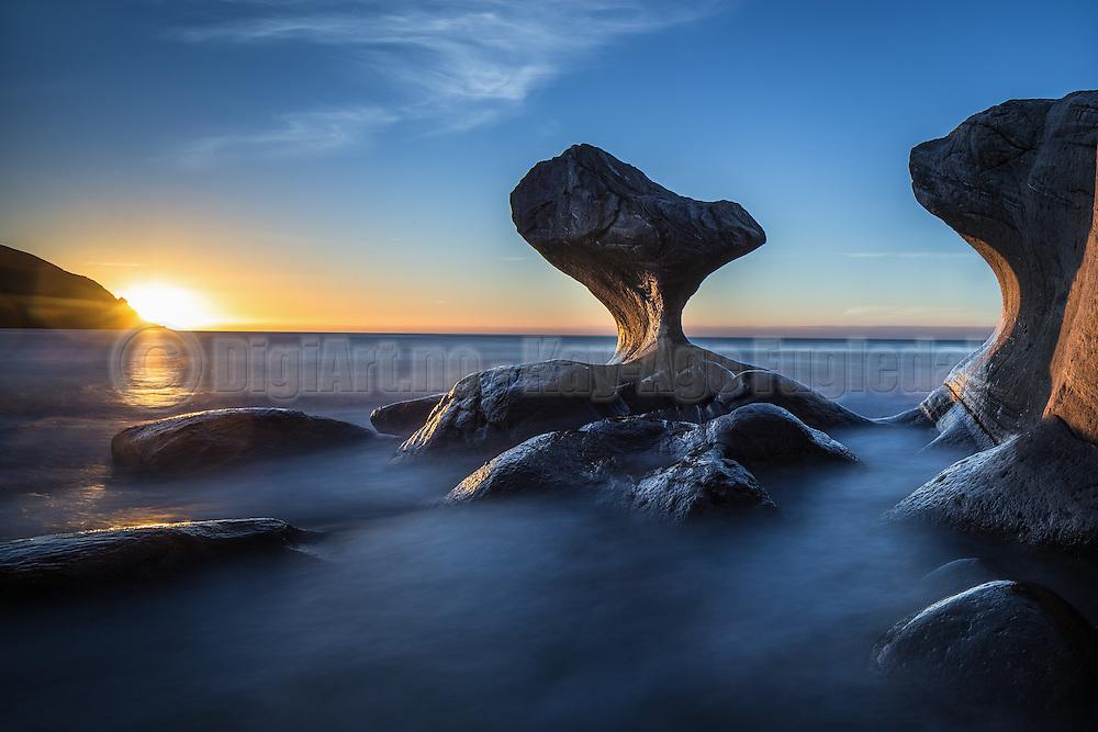 """This very special stone named""""Kannesteinen"""", located in Norway, has been shaped through tousands of years with harsh weather   Kannesteinen i Oppedal har blitt forma av bølgene gjennom tusenvis av år."""