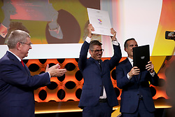 LIMA, Sept. 14, 2017  International Olympic Committee (IOC) President Thomas Bach (L) claps hands as Casey Wasserman (C), Chairman of LA 2028, and Eric Garcetti ,Mayor of Los Angeles, celebrate after sign the contract during the presentation and announcement ceremony of the 2024 and 2028 Summer Olympic Games at the 131st IOC session in Lima, Peru, on Sept. 13, 2017. The IOC makes historic decision by simultaneously awarding Olympic Games 2024 to Paris and 2028 to Los Angeles on wednesday. (Credit Image: © Li Ming/Xinhua via ZUMA Wire)