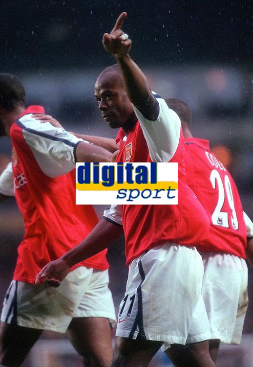 Sylvian Wiltord celebrates scoring the 3rd Arsenal goal . Arsenal v Manchester City, F.A.Carling Premiership, 28/10/2000. Credit Colorsport / Paul Roberts