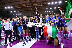 11-05-2017 ITA: Finale Liu Jo Modena - Igor Gorgonzola Novara, Modena<br /> Novara heeft de titel in de Italiaanse Serie A1 Femminile gepakt. Novara was oppermachtig in de vierde finalewedstrijd. Door een 3-0 zege is het Italiaanse kampioenschap binnen. / Team Novara kampioen<br /> <br /> ***NETHERLANDS ONLY***