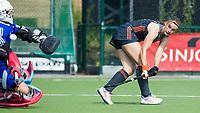 St.-Job-In 't Goor / Antwerpen -  Nederland Jong Oranje Dames (JOD) - Groot Brittannie (7-2). Michelle Fillet (Ned) scoort. links Louisa Bray (GB)  COPYRIGHT  KOEN SUYK