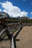 Fence in Rocky Mountain National Park. Image taken with a Nikon D3 and 24-70 mm f/2.8 lens (ISO 200, 24 mm, f/16, 1/320 sec).