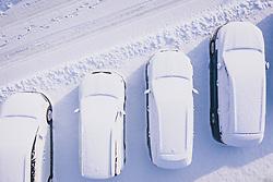 THEMENBILD - Fahrzeuge eines Autohändlers mit Neuschnee bedeckt auf einem Verkaufsplatz, aufgenommen am 03. Dezemeber 2020 in Kaprun, Österreich // Vehicles of a car dealer covered with fresh snow on a sales lot, Kaprun, Austria on 2020/12/03. EXPA Pictures © 2020, PhotoCredit: EXPA/ JFK