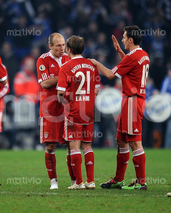 FUSSBALL   DFB POKAL   SAISON 2009/2010  HALBFINALE FC Schalke 04 - FC Bayern Muenchen                24.03.2010 Arjen Robben, Philipp Lahm, Miroslav Klose (FCB)