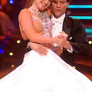 NLD/Baarn/20070331 - 1e Live uitzending Dancing with the Stars 2007, Helga van Leur en danspartner Marcus van Teijlingen