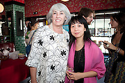 JUDITH NEILSON; VIVI HE, Brunch to celebrate the launch of Art HK 11. Miss Yip Chinese Cafe. Meridian ave,  Miami Beach. 3 December 2010. -DO NOT ARCHIVE-© Copyright Photograph by Dafydd Jones. 248 Clapham Rd. London SW9 0PZ. Tel 0207 820 0771. www.dafjones.com.