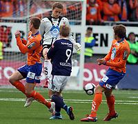 Fotball <br /> Tippeligaen<br /> 11.04.2010 <br /> Aalesund v Viking 3-1<br /> color line stadion<br /> <br /> Daniel arnefjord - aalesund<br /> Anders lindegaard - aalesund<br /> Patrik Ingelsten - viking<br /> Foto:Richard brevik Digitalsport