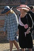 Zijne Hoogheid Prins Floris van Oranje Nassau, van Vollenhoven en mevrouw mr. A.L.A.M. Söhngen zijn donderdag 20 oktober in het stadhuis van Naarden in het burgelijk huwelijk getreden. De prins is de jongste zoon van Prinses Magriet en Pieter van Vollenhoven.<br /> <br /> 20OCT, 2005 - Civil Wedding Prince Floris and Aimée Söhngen. <br /> <br /> Civil Wedding Prince Floris and Aimée Söhngen in Naarden. The Prince is the youngest son of Princess Margriet, Queen Beatrix's sister, and Pieter van Vollenhoven. <br /> <br /> Op de foto / On the photo;<br /> <br /> <br /> Hare Koninklijke Hoogheid Prinses Máxima der Nederlanden<br /> en Hare Majesteit de Koningin Beatrix <br /> <br /> Her royal highness princess Máxima of the The Netherlands and Queen Beatrix