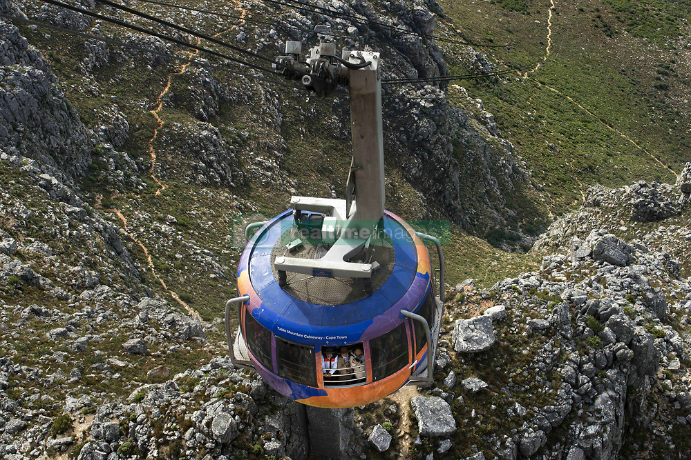 September 30, 2018 - South Africa - Cable car to Table Mountain, Western Cape, South Africa (Credit Image: © Sergi Reboredo/ZUMA Wire)