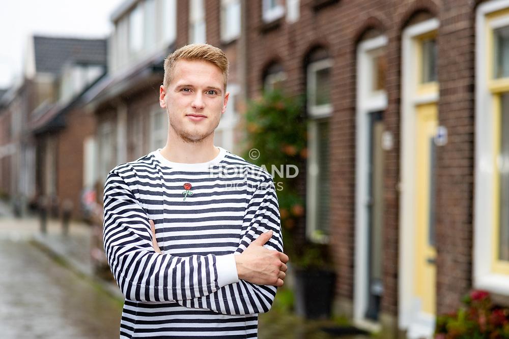16-10-2019: Voetbal: Youri Looijestein: Alphen aan den Rijn<br /> #
