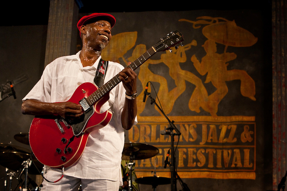 Blues and funk musician Walter 'Wolfman' Washington of Walter 'Wolfman' Washington and the Roadmasters performing on the Blues Tent stage at the New Orleans Jazz and Heritage Festival at the New Orleans Fair Grounds Race Course in New Orleans, Louisiana, USA, 1 May 2009.