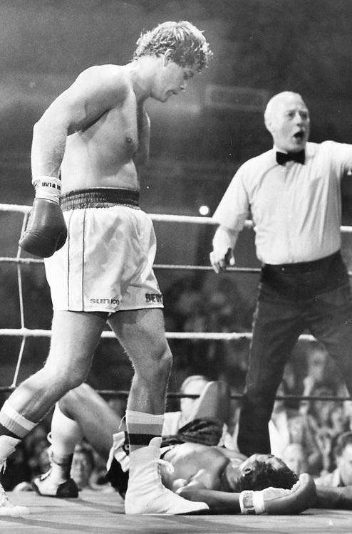 ©1986 Boxing, Austin, Texas    Willie DeWitt on the left.