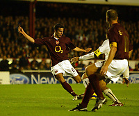 Photo: Chris Ratcliffe.<br />Arsenal v Sparta Prague. UEFA Champions League.<br />02/11/2005.<br />Robin Van Persie (L) scores his first goal