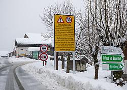 THEMENBILD - Verkehrsbeschilderung in Maria Luggau an der B311, aufgenommen am Dienstag, 12. November 2019, in Maria Luggau in Kärnten Heute schneit es in Österreich verbreitet bis in tiefe Lagen. Ein Teil des Schneefalls konzentriert sich dabei auf Osttirol. Hier kommen laut ZAMG bis Mittwochabend selbst in Tallagen 20 bis 50 Zentimeter Neuschnee zusammen. Vereinzelt sind auch bis zu 75 Zentimeter möglich, wie im Tiroler Gailtal // Traffic signage at Wacht on the B311 Gailtalbundesstrasse, taken on Tuesday, November 12, 2019, in Maria Luggau, Carinthia. Today it is snowing in Austria to low altitudes. Part of the snowfall is concentrated on East Tyrol. According to ZAMG, 20 to 50 centimeters of fresh snow come together here even in valleys on Wednesday evening. Occasionally, up to 75 centimeters are possible, as in the Tyrolean Gail Valley. EXPA Pictures © 2019, PhotoCredit: EXPA/ Johann Groder