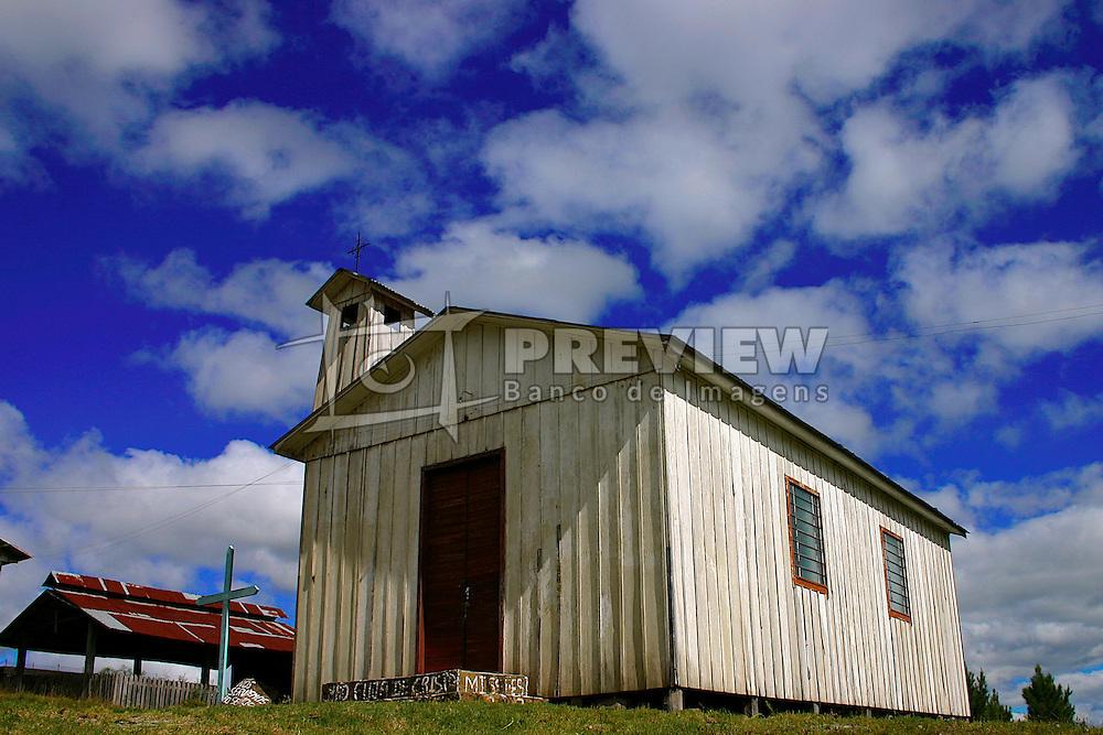 Cenário típico do interior de Bom Jesus, no Rio Grande do Sul. Antigo caminho das tropas. FOTO: Eduardo Rocha/Preview.com