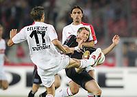 v.l. Mathieu Delpierre, Benjamin Lauth HSV, Fernando Meira<br /> Bundesliga VfB Stuttgart - Hamburger SV<br /> Norway only