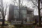 New US Embassy under construction on the Nine Elms site in Battersea, south London. Architect Kieran Timberlake and developer Ballymore are building the new diplomatic HQ in 2.18 hectares as the US Embassy is moving from Grosvenor Square to south of the River Thames and will be a major catalyst in the creation of Nine Elms on the South Bank, combining sustainable design with all the requirements of its function. Located in the heart of the Nine Elms site, the surrounding area will be developed into an urban park.