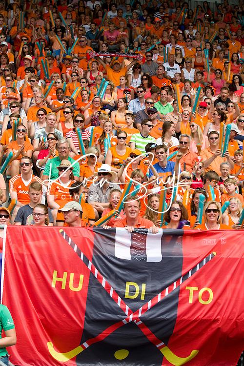 DEN HAAG -  Hudito leden tijdens de wedstrijd tussen de vrouwen  van Nederland en Korea in het WK hockey 2014.  FOTO KOEN SUYK