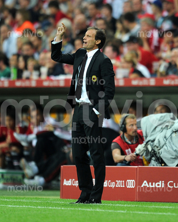 Fussball  International   Audi Cup 2011  Saison 2011 / 2012  26.07.2011 FC Bayern Muenchen - AC Mailand Trainer Massimilliano Allegri (AC Mailand)