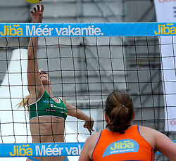 06-06-2010 VOLLEYBAL: JIBA GRAND SLAM BEACHVOLLEYBAL: AMSTERDAM<br /> In een koninklijke ambiance streden de nationale top, zowel de dames als de heren, om de eerste Grand Slam titel van het seizoen bij de Jiba Eredivisie Beach Volleyball - Mered de Vries<br /> ©2010-WWW.FOTOHOOGENDOORN.NL