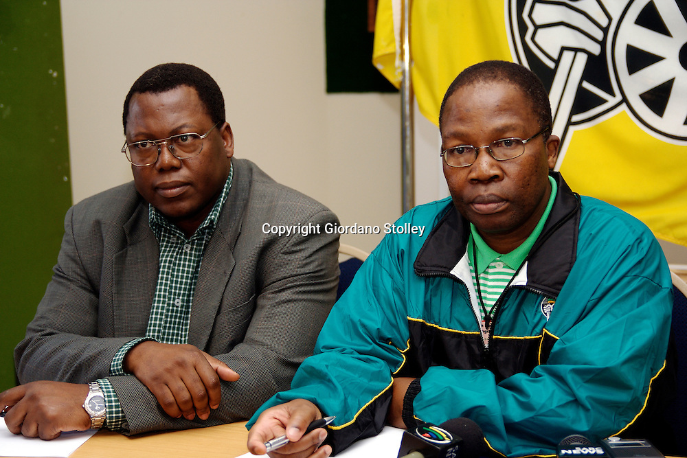 DURBAN - 15  July 2006 - Leader of South Africa's KwaZulu-Natal province, Premier Sbu Ndebele (Right) and  Mike Mabuyakhulu (left),  KwaZulu-Natal'sMEC for of local government, housing and traditional affairs Mike Mabuyakhulu answer questions at a press conference of the ruling African National Congress' provincial general council..Picture: Giordano Stolley