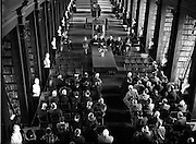 """04/11/1953<br /> 11/04/1953<br /> 04 November 1953<br /> Exhibition of """"Robert Emmet and his times"""" at the Library, Trinity College Dublin. Picture shows President Sean T. O'Kelly speaking at the exhibition."""