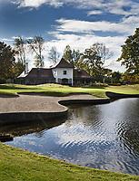 WASSENAAR  (NETH.) - Clubhuis met green van hole 9 , Golfclub Groendael in Wassenaar. COPYRIGHT KOEN SUYK