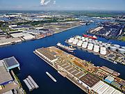 Nederland, Noord-Holland, Amsterdam, 02-09-2020; Westpoort met Westhaven, Hornhaven, Suezhaven, Bosporushaven, Sonthaven.<br /> Western docklands.<br /> luchtfoto (toeslag op standard tarieven);<br /> aerial photo (additional fee required);<br /> copyright foto/photo Siebe Swart