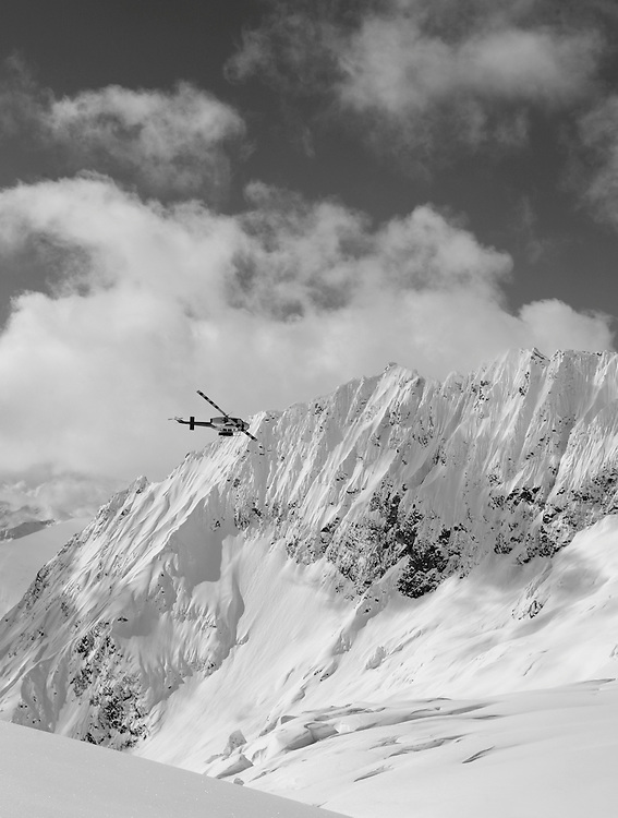Bugaboos Deep Powder, Canada, CMH, Canadian Mountain Holidays, Heliskiiing, Powder, Best skiing in the world, www.canadianmountainholidays.com, cmh.com, www.dankullberg.com, photo dan kullberg, dan kullberg photographer