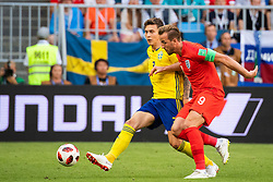 July 7, 2018 - Samara, Russia - 180707 Victor Nilsson Lindelöf of Sweden adn Harry Kane of England competes for the ball during the FIFA World Cup quarter final match between Sweden and England on July 7, 2018 in Samara..Photo: Petter Arvidson / BILDBYRÃ…N / kod PA / 92083 (Credit Image: © Petter Arvidson/Bildbyran via ZUMA Press)