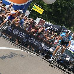 Sportfoto archief 2006-2010<br /> 2010<br /> Niki Terpstra wordt op de Adsteeg in Beek Nederlands Kampioen