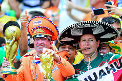 29.06.2014, Castelao, Fortaleza, BRA, FIFA WM, Niederlande vs Mexico, Achtelfinale, im Bild Fans Niederlande und Mexico // during last sixteen match between Netherlands and Mexico of the FIFA Worldcup Brazil 2014 at the Castelao in Fortaleza, Brazil on 2014/06/29. EXPA Pictures © 2014, PhotoCredit: EXPA/ fotogloria/ Best Photo Agency<br /> <br /> *****ATTENTION - for AUT, FRA, POL, SLO, CRO, SRB, BIH, MAZ only*****