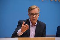 DEU, Deutschland, Germany, Berlin, 25.09.2017: Dietmar Bartsch (DIE LINKE) in der Bundespressekonferenz zu den Ergebnissen der Bundestagswahlen.