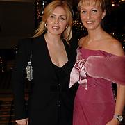 NLD/Noordwijk/20051212 - Kerst Society lunch 2005, Anita van der Hoeven en Annete Wijdom