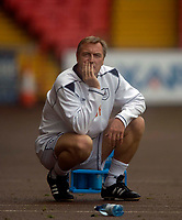 Photo: Jed Wee.<br />Darlington v Swindon Town. Coca Cola League 2. 19/08/2006.<br /><br />Darlington manager Dave Hodgson sees his team lose 2-1 to Swindon.