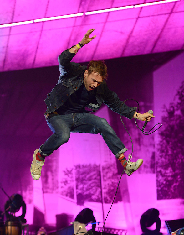 Damon Albarn - Blur perform in Hyde Park<br /> Pix Dave Nelson <br /> CODE:361962<br /> www.expresspictures.com<br /> Express Syndication<br /> +44 (0)20 8612 7884/7903/7906/7661<br /> +44 (0)20 7098 2764<br /> NO ONLINE/DIGITAL/MOBILE PHONE OR APPS USAGE UNLESS AGREED