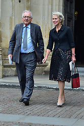 Virginia Bottomley, Peter Bottomley  beim Gedenkgottesdienst f¸r Terry Wogan im Westminster Abbey in London / 270916<br /> <br /> ***Memorial service for Terry Wogan at Westminster in London, September 27th, 2016***