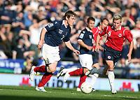 Fotball , 11. oktober 2008 , Skottland - Norge VM-kvalifisering Scotland - Norway  0-0<br /> Bjørn Helge Riise , Norge og Gary Naysmith , Skottland